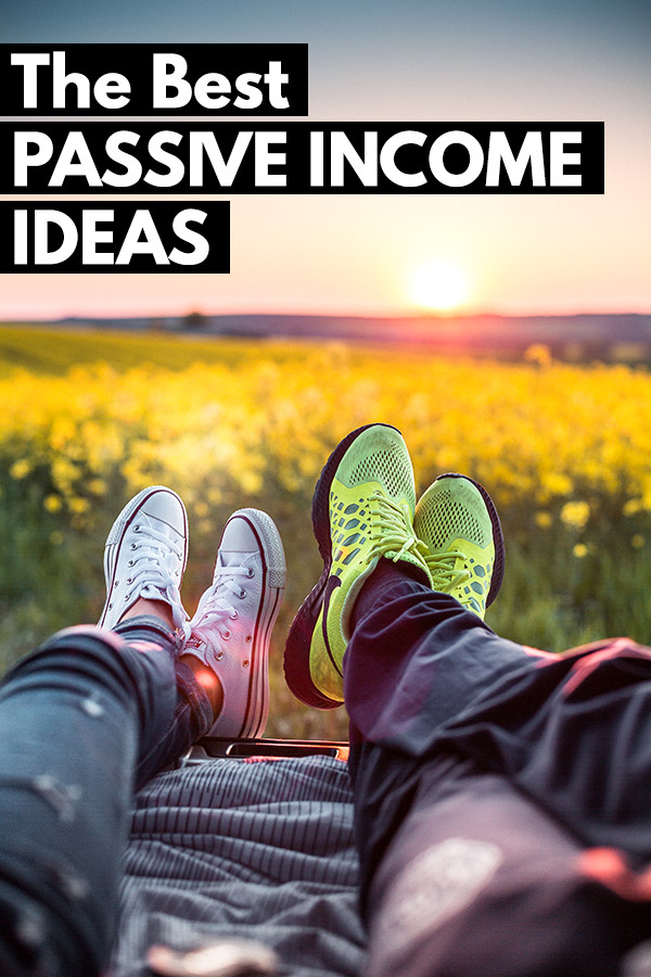 33 of the Best Passive Income Ideas that can help you to reach financial independence. Make money in your sleep and without work. Enjoy financial freedom and even retire early with these passive income streams. Many options are friendly for beginners. Some require money to invest but others can be done without any cash. Financial freedom thanks to dividend stocks, real estate crowdfunding REITs, and more. #passiveincome #money #makemoney #investing #personalfinance
